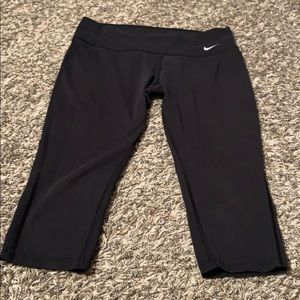 Nike dry fit workout capris